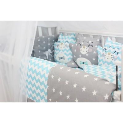 """Детский комплект в кроватку для новорожденных с бортиками-игрушками """"Котики"""" (голубой) byTwinz"""